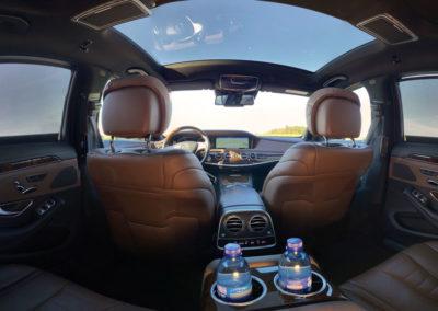 Intérieur de la Mercedes Class-S à l'avant